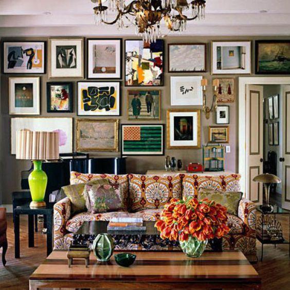 Cluttercore salon